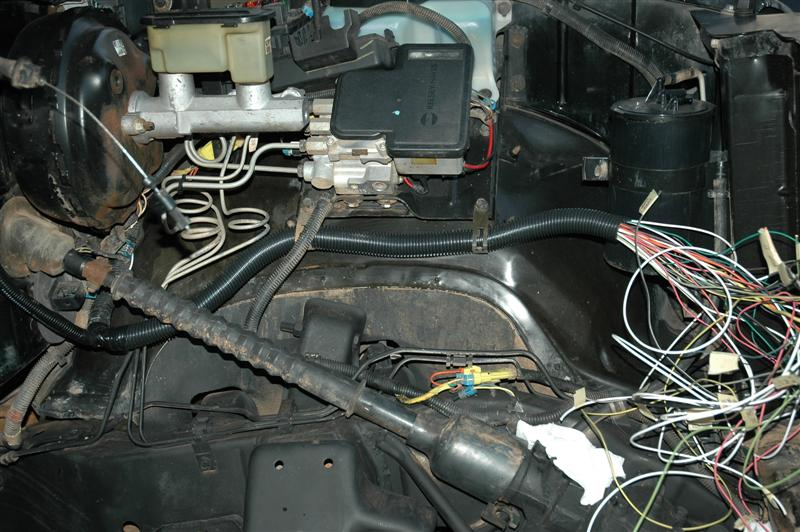 """6l """"lq9"""" engine installation all the wires located in the correct place i wrapped them in electrical tape and covered the harnesses in split loom"""